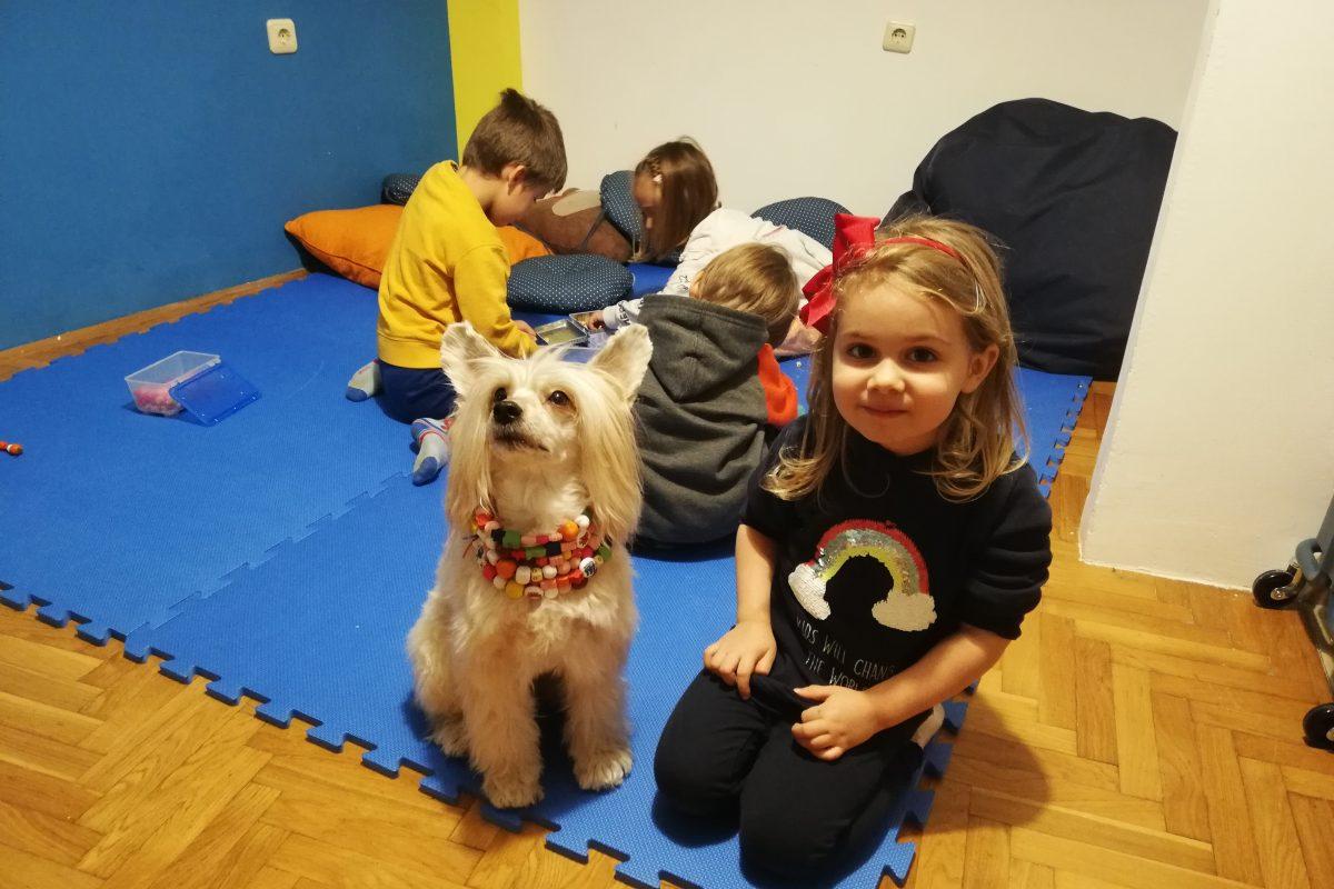 Čitali smo priču uz psa pomagača